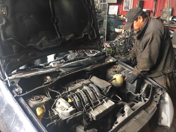 Hur vi skrotar din bil i Bilskroten i Warberg